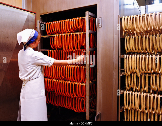 how to make sausage in factory