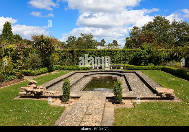 Formal Italianate Pond At Broadview Gardens Hadlow College Kent UK   Stock  Image