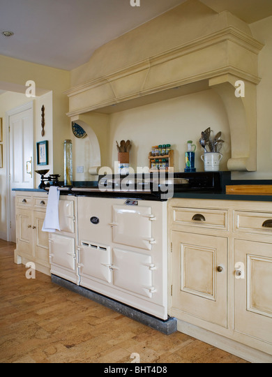 Cream Double Aga Oven In Cream Country Kitchen Stock Image
