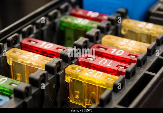 close up on a car fuse box e5e9p5 car fuse stock photos & car fuse stock images alamy car fuse box at bayanpartner.co