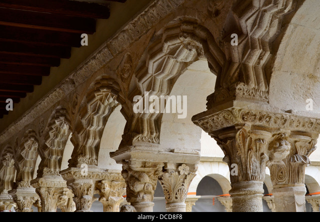 built at the end of the 12th century france stock photos built at the end of the 12th century. Black Bedroom Furniture Sets. Home Design Ideas