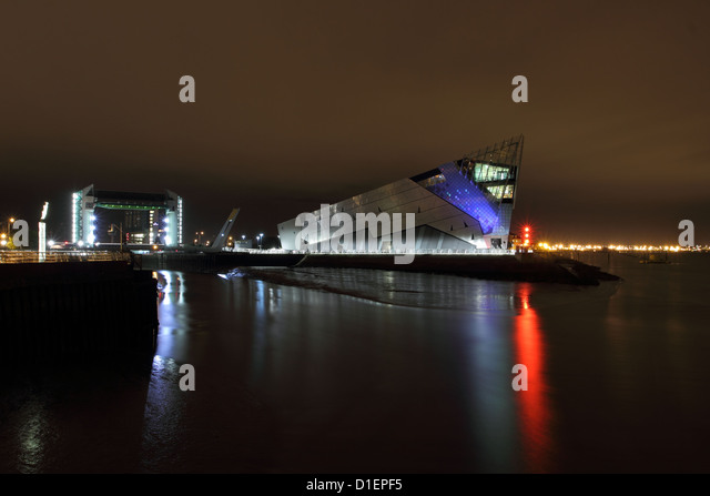 Aquarium hull : The deep aquarium hull stock photos