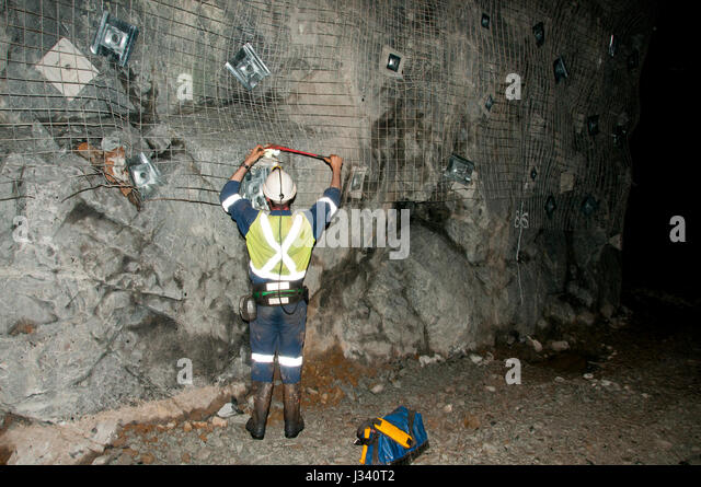 underground mine surveyor j340t2 underground mine australia stock photos & underground mine underground mining hard hats at sewacar.co