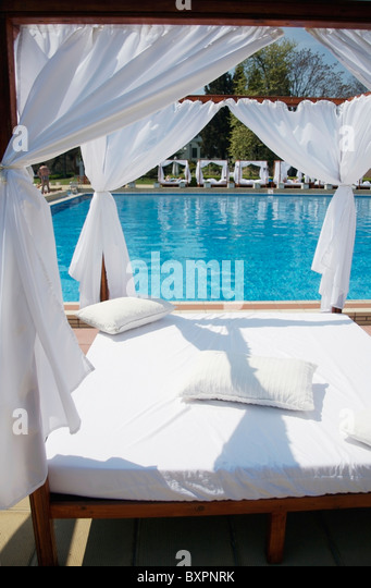canopied bed stock photos amp canopied bed stock images alamy canopied bed romantic canopy beds images about canopy bed