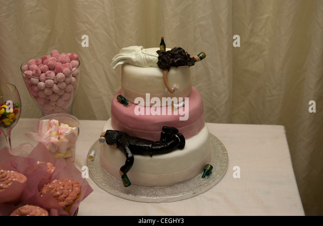 drunk bride wedding cake wedding cake stock photos amp wedding cake 13761