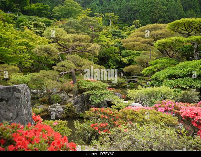 Seiriol stock photos seiriol stock images alamy for Formal japanese garden