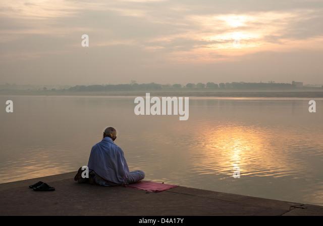 Sadhu Meditating Stockfotos und Sadhu Meditating Stockbilder - Alamy