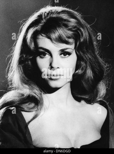 16, 1964 - Paris, France - Actress <b>MICHELLE MERCIER</b> will be the - jan-16-1964-paris-france-actress-michelle-mercier-will-be-the-new-dn6dgd
