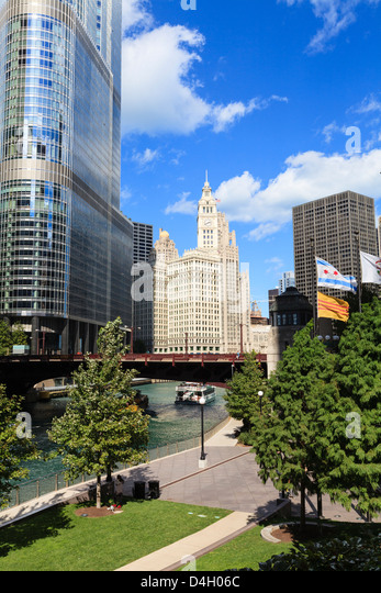 Chicago Bilder chicago river and towers stock photos chicago river and towers