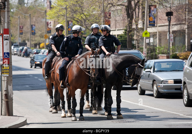 how to join toronto mounted police