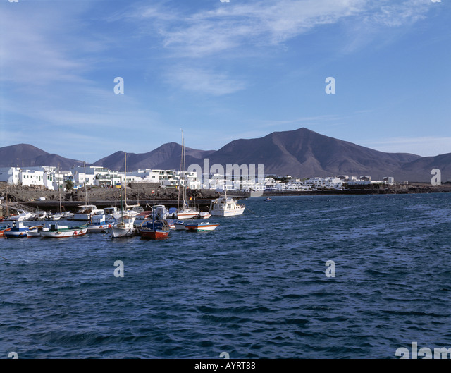 boote am hafen stock photos boote am hafen stock images alamy. Black Bedroom Furniture Sets. Home Design Ideas