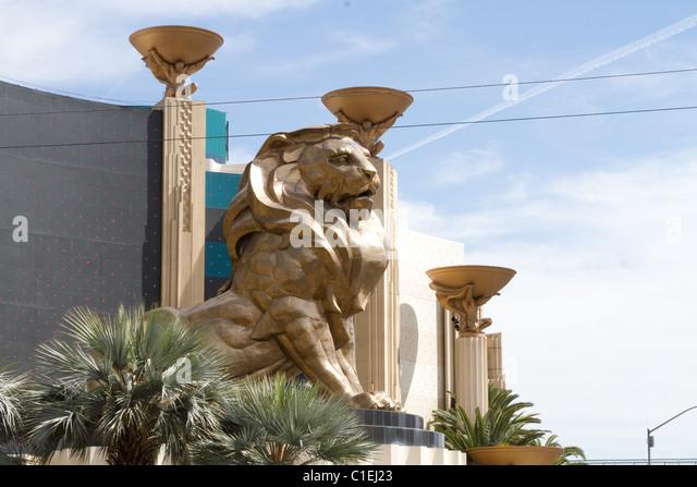 Lion statue stock photos lion statue stock images page for Yard statues las vegas