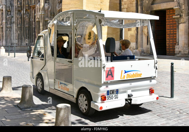 electric taxi stock photos electric taxi stock images alamy. Black Bedroom Furniture Sets. Home Design Ideas