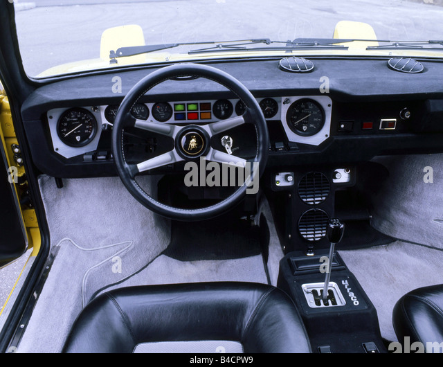 lamborghini urraco interior images galleries with a bite. Black Bedroom Furniture Sets. Home Design Ideas