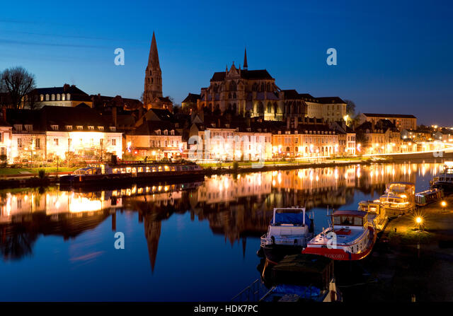 Yonne stock photos yonne stock images alamy for Auxerre region