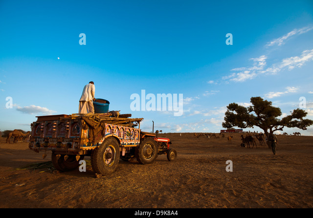 Tractor Trolley Stock Photos Amp Tractor Trolley Stock