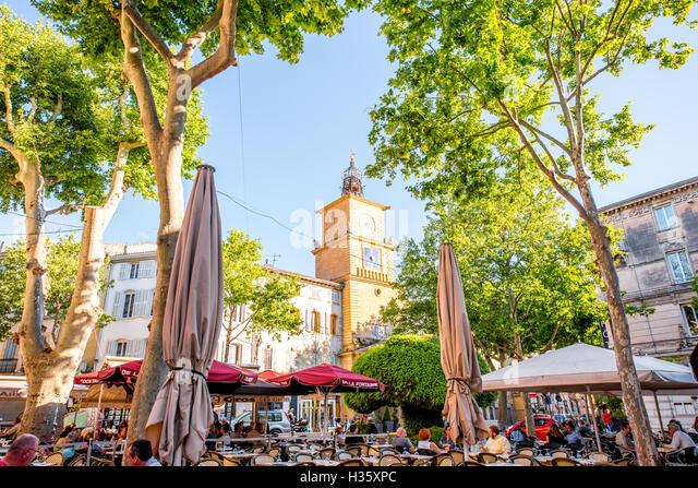 Place horloge stock photos place horloge stock images for Hotel de ville salon de provence