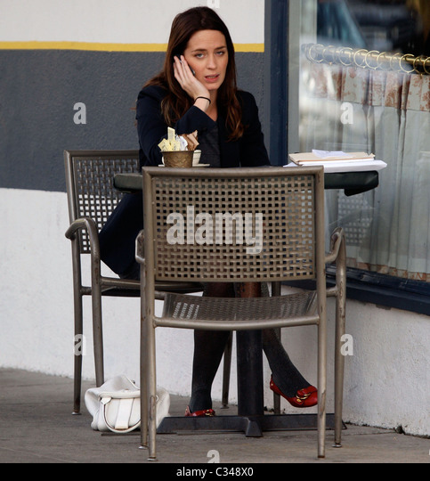 Emily Blunt Cigarette ... Emily Blunt