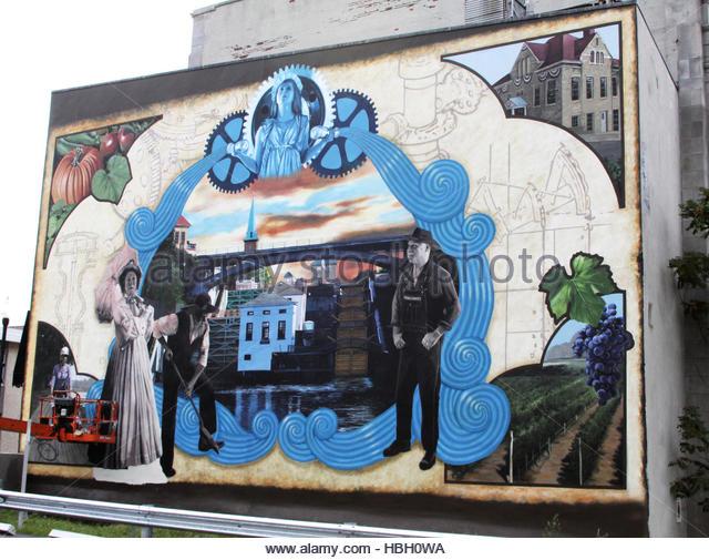 Mural on street ny stock photos mural on street ny stock for Canal fluminense mural