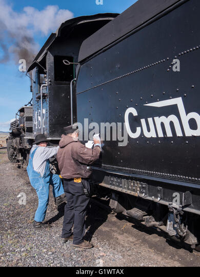 how to become a locomotive conductor