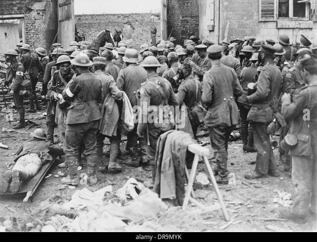 battle of amiens In response to the german spring offensive, 20 allied divisions launched a  massive counter-offensive the australians advanced 11 kilometres and the.