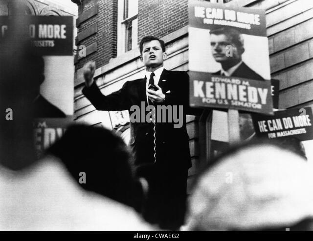 senator robert f kennedys positions on the vietnam war essay In this september 15, 1967, letter senator robert f kennedy states that the government's goal in vietnam is to protect the right of the south vietnamese to be able to govern themselves essay: the first saddest day of my life: a vietnam war story.