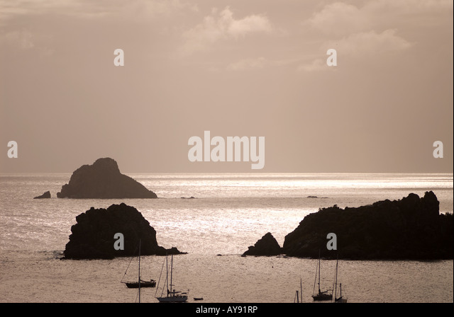 Shade sails stock photos shade sails stock images alamy for Almanara mediterranean cuisine