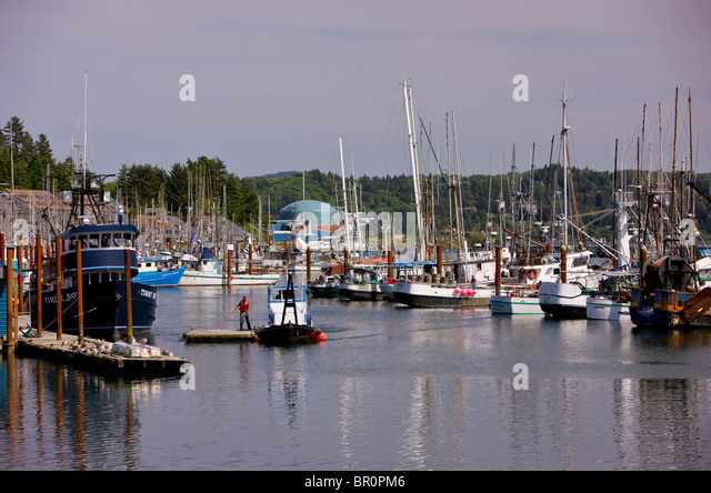 Small commercial boats stock photos small commercial for Newport oregon fishing