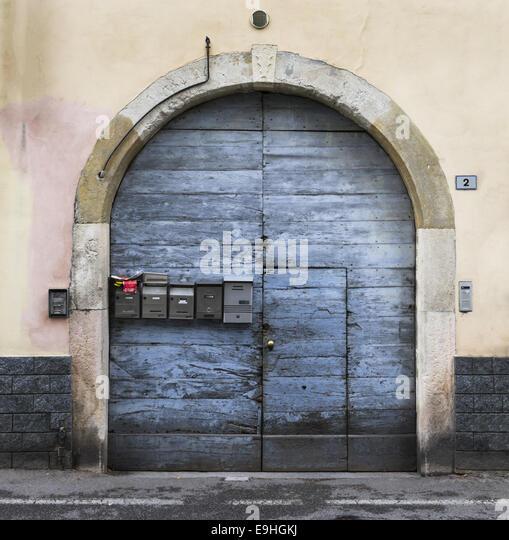 Eintreten stock photos eintreten stock images alamy for Door to gate kontakt