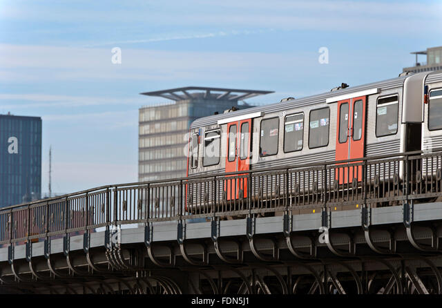 hamburg elevated railway stock photos hamburg elevated railway stock images alamy. Black Bedroom Furniture Sets. Home Design Ideas