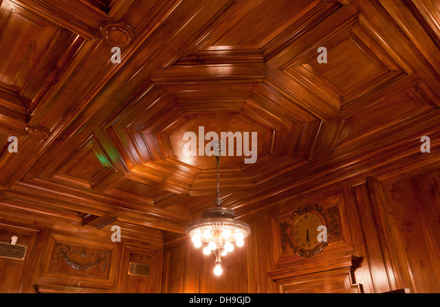Wood panel ceiling - Stock Image - Paneling Ceiling Stock Photos & Paneling Ceiling Stock Images - Alamy