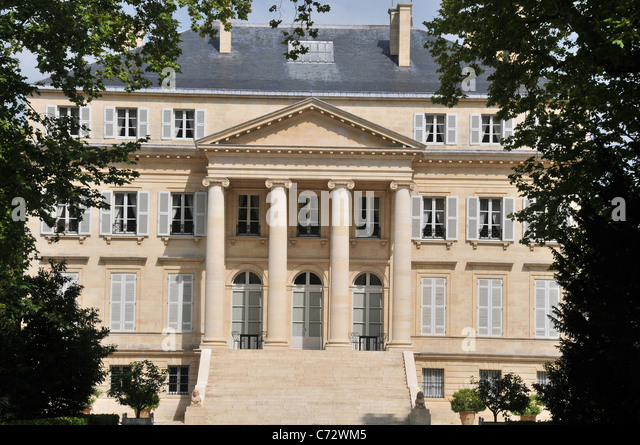 Margaux wine stock photos margaux wine stock images alamy for Chateau margaux