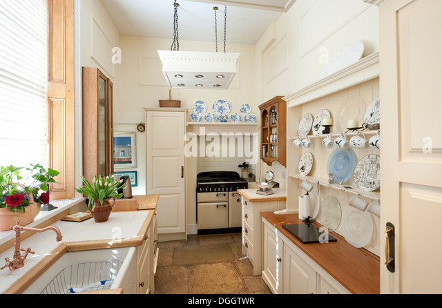 Olde English Country House Kitchen Cream Pretty Stock Image