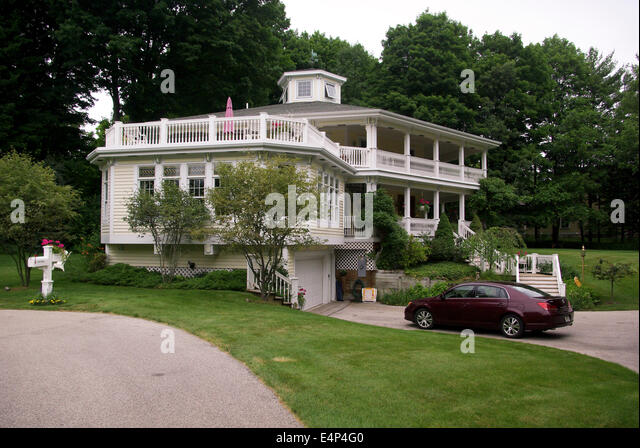 Victorian Reflections Bed And Breakfast Canisteo Ny : Pentwater stock photos images alamy