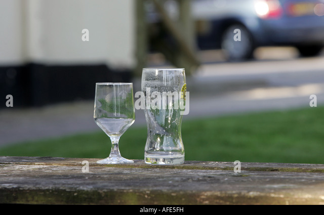 Finished alcohol glasses stock photos finished alcohol for Fachhochschule offenbach