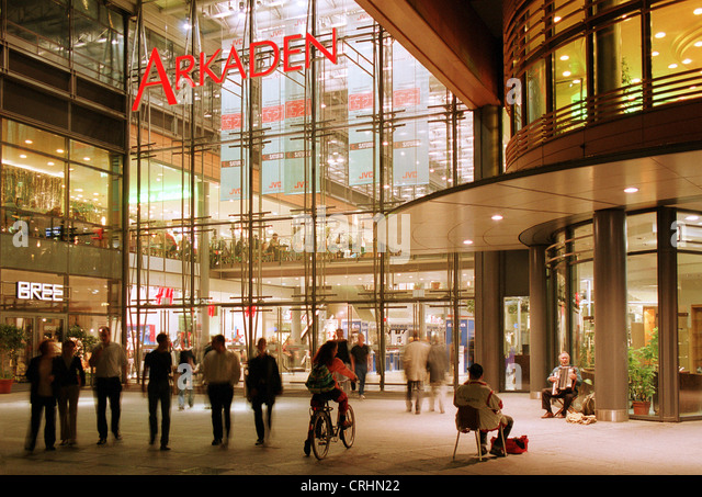 potsdamer platz arcade stock photos potsdamer platz arcade stock images alamy. Black Bedroom Furniture Sets. Home Design Ideas