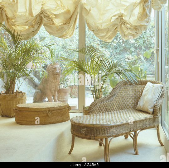 Chaiselongue stock photos chaiselongue stock images alamy for Chaise longue toulouse