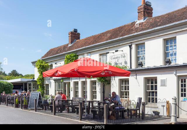 The White Lion Pub Reading Road Yateley Hampshire England United Kingdom