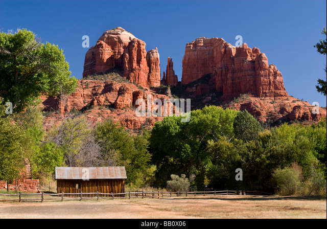 Old Cabin In Sedona Red Rocks   Stock Image