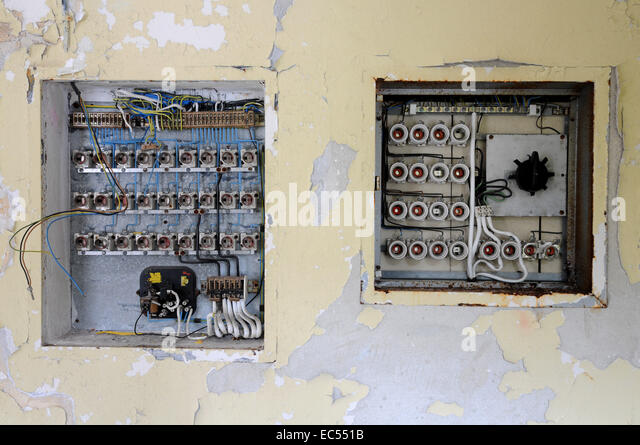 fuse box ec551b main fuse stock photos & main fuse stock images alamy selling a house with a fuse box at gsmx.co