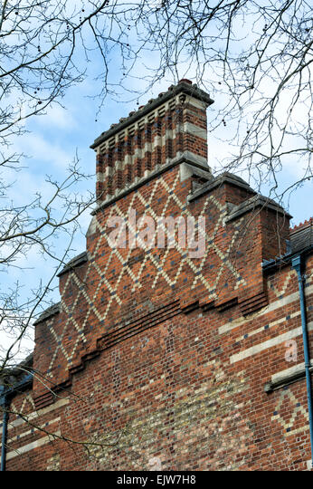 how to build a brick chimney uk