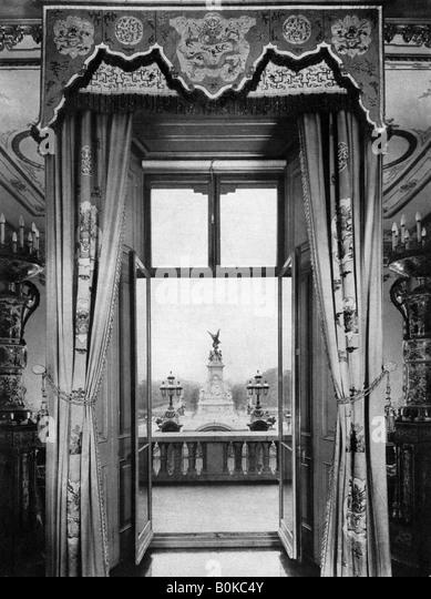 Inside Buckingham Palace Stock Photos & Inside Buckingham