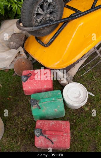 Upturned garden barrow stock photos upturned garden for Gardening tools online in pakistan