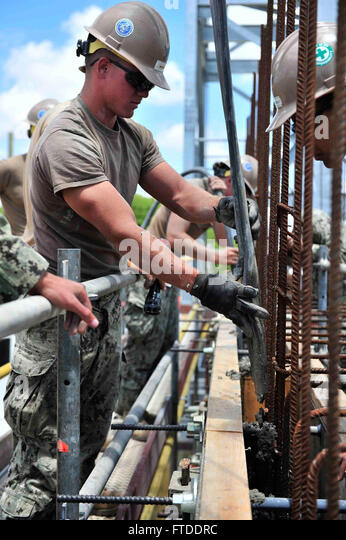 U S Navy Construction Electrician 3rd Stock Photos & U S Navy ...