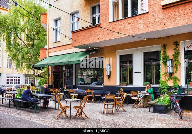 Berlin riverside dining alfresco dining stock photos for Hotel du jardin menu