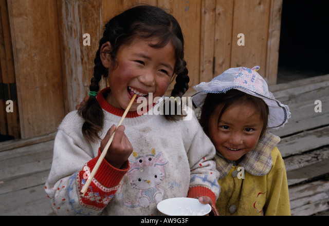songpan women Four days of horse trekking up in the snow capped mountains of songpan, a small town near the tibetan plateau have finally come to a finale four wonderful, .