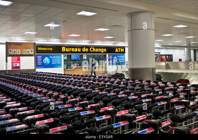 luggage trolleys stock photos luggage trolleys stock images alamy