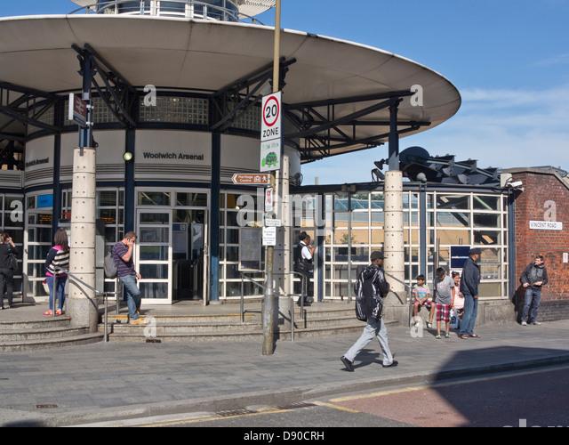 Shoe Shops In Woolwich