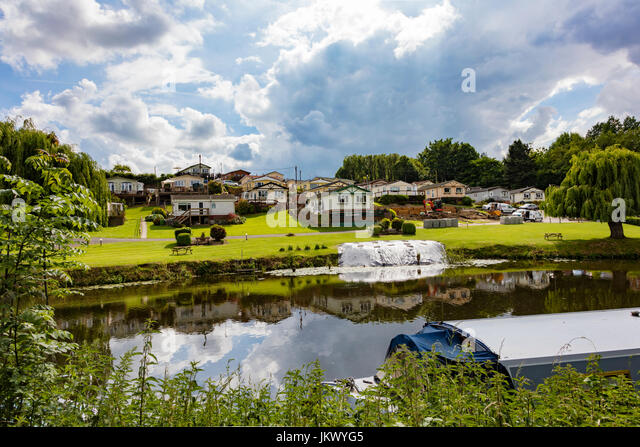 Kent Farm Caravans A Static And Mobile Home Park On The River Medway At East