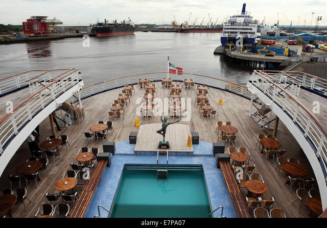 Aft Deck Stock Photos Aft Deck Stock Images Alamy - What is aft on a cruise ship
